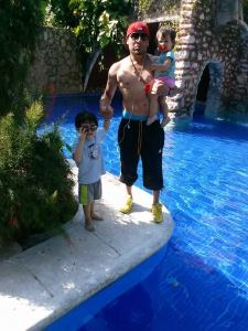 Carlos and kids